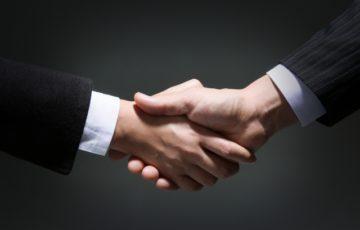締結の握手